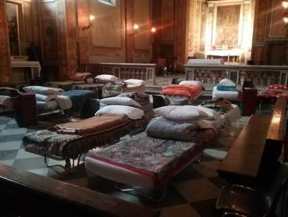 Ο Πάπας Φραγκίσκος έδωσε εντολή να μείνει ανοικτή όλη νύχτα μια εκκλησία στη Ρώμη για να κοιμηθούν οι άστεγοι
