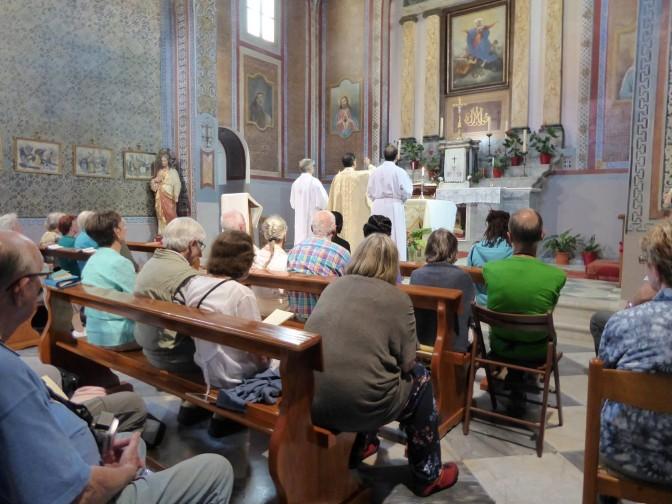 Γερμανοί προσκυνητές στον Καθολικό Ναό της Μυτιλήνης