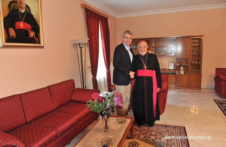 Επίσκεψη του Αμερικανού Πρέσβη στην Καθολική Επισκοπή Σύρου