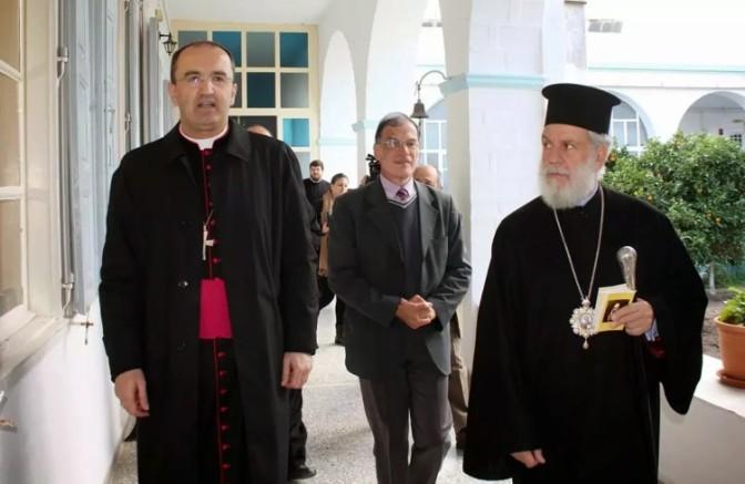 Κοινή επιστολή Μητροπολίτη Σύρου & Καθολικού Επισκόπου προς τον Υπουργό Οικονομικών για το Νεώριο