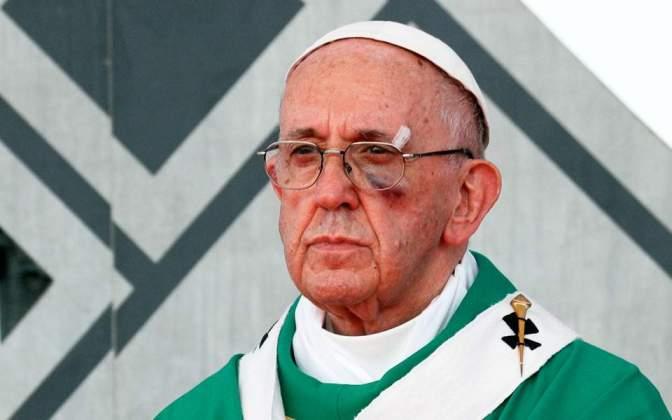 Με μαυρισμένο μάτι ο Πάπας στην Κολομβία