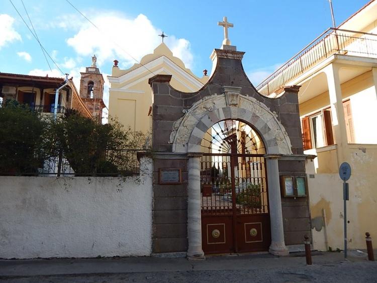 Νέα «εκτροπή» Μάρκου: τιμώρησε γονείς μαθητών γιατί παρακολούθησαν σχολική εκδήλωση στον Καθολικό Ναό!