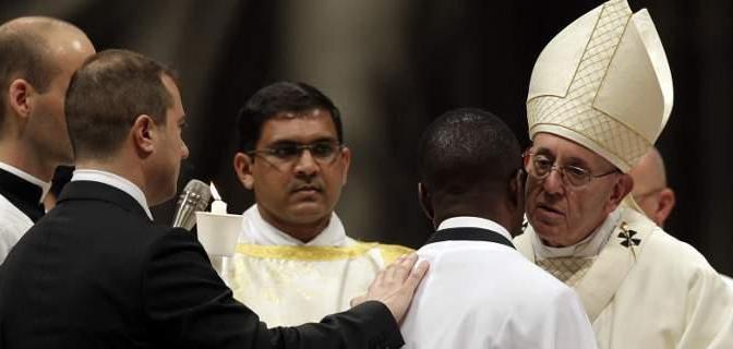Ο Πάπας βάφτισε τον «μετανάστη ήρωα»