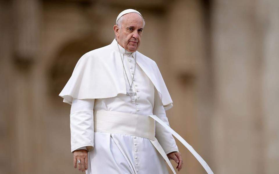 Πάπας Φραγκίσκος: Εξετάζει το ενδεχόμενο των έγγαμων ιερέων